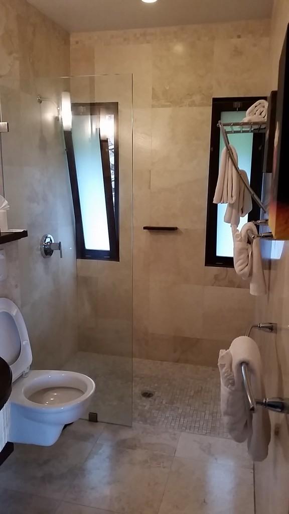 Sugar Ridge Hotel Antigua bathroom