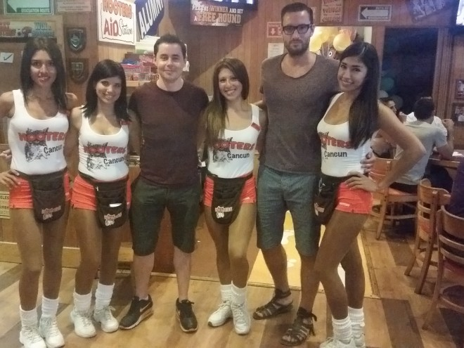 Hooters Cancun