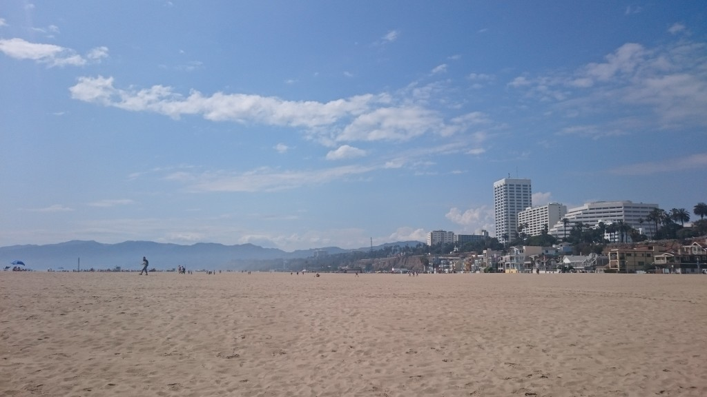 MTM - Bloggers on Holiday Vol4 - shot8 Santa Monica Beach
