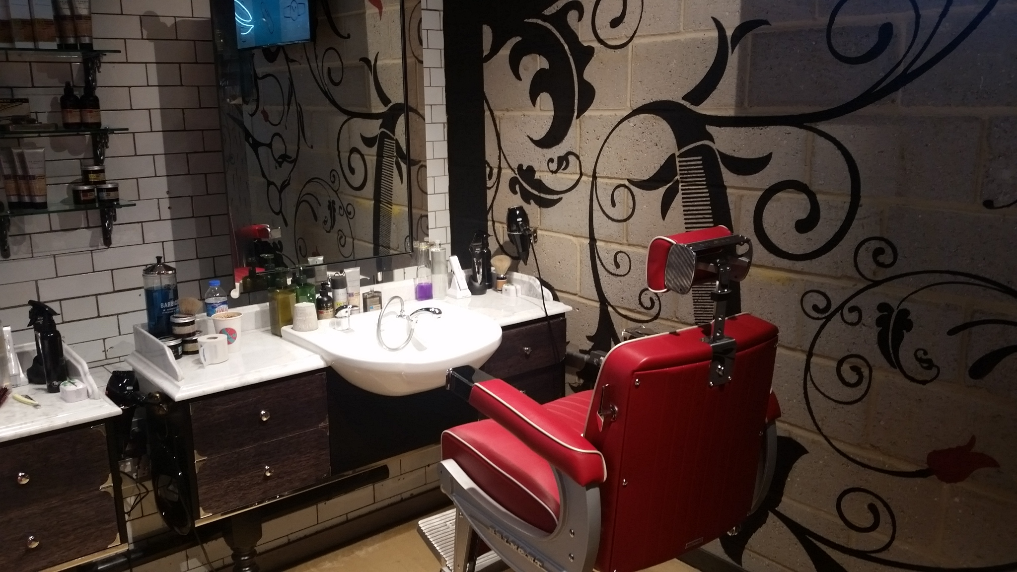 teds grooming room with ted baker moore maketh the man. Black Bedroom Furniture Sets. Home Design Ideas