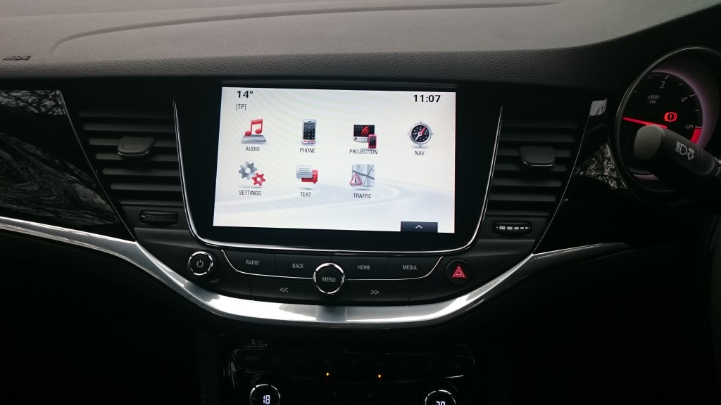 Maketh-the-man-Vauxhall-New-Astra-On-board-computer