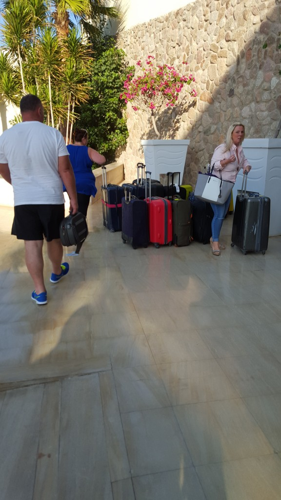Egypt_Sharm_El_Sheikh_November_2015_luggage