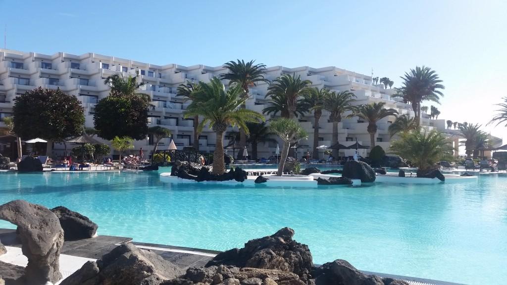 Hotel Meliá Salinas pool Lanzarote