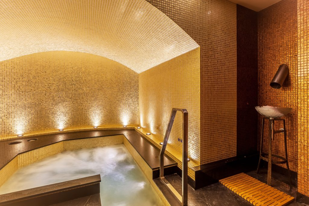 maketh-the-man-thai-square-spa-thai-sen-space-jacuzzi