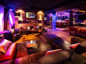 maketh-the-man-pentahotels-warrington-lounge