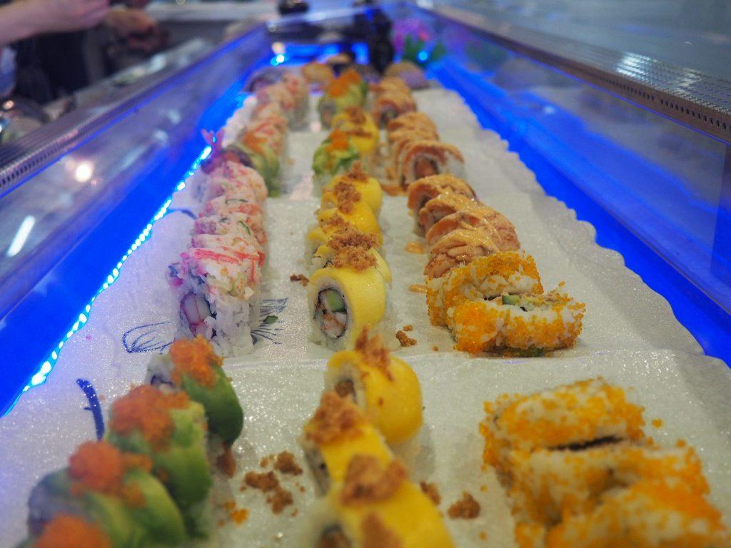 LAPUTA sushi buffet