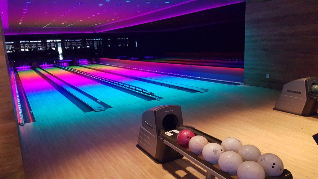 Miami Beach Edition Hotel bowling