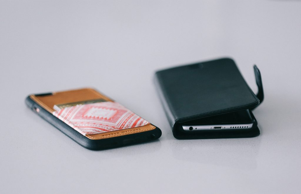 Maketh-the-man-Anton-Welcome-Kickstarter-thread-wallet-case-display