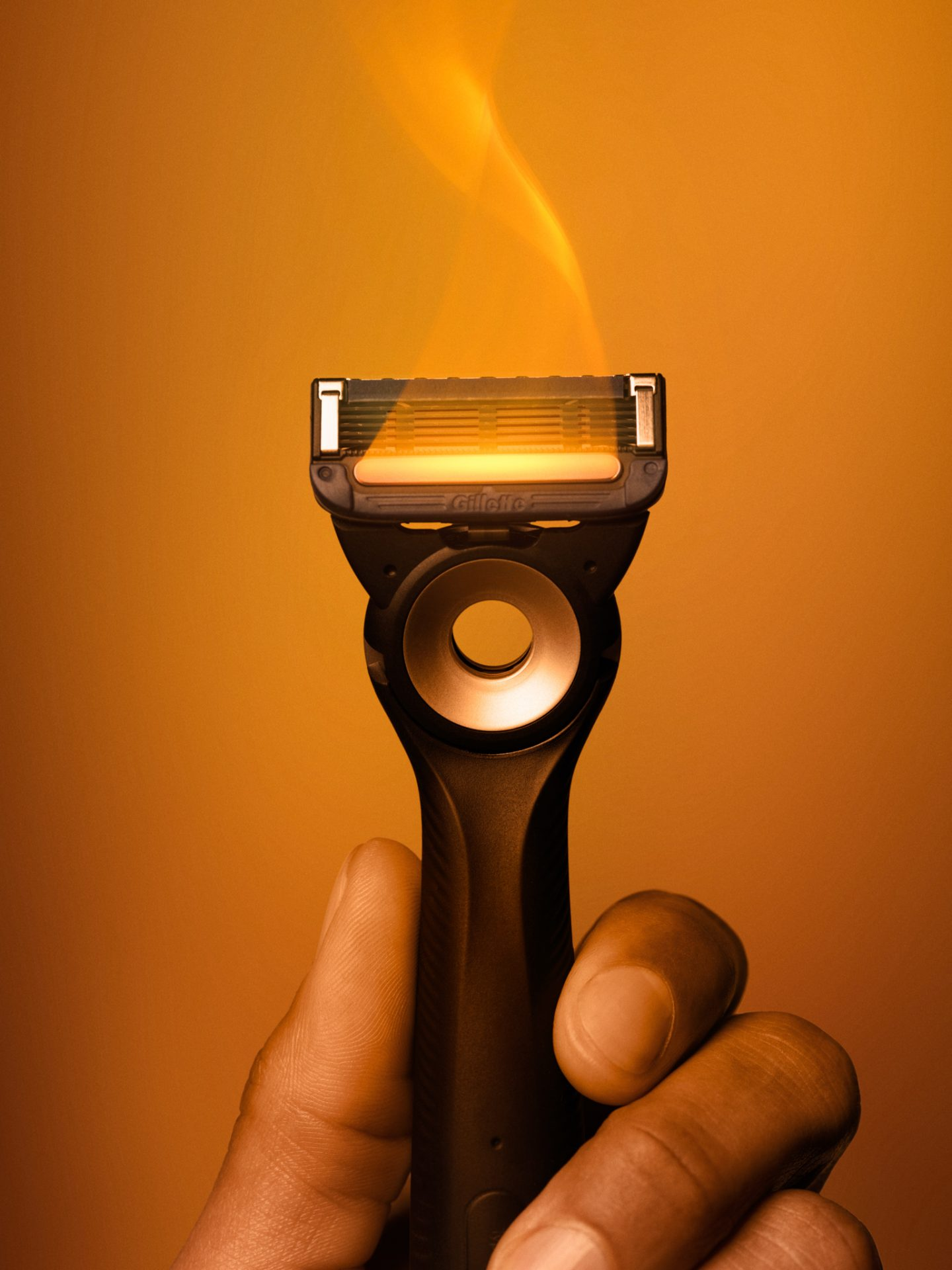 Gillette Labs Heated Razor_action