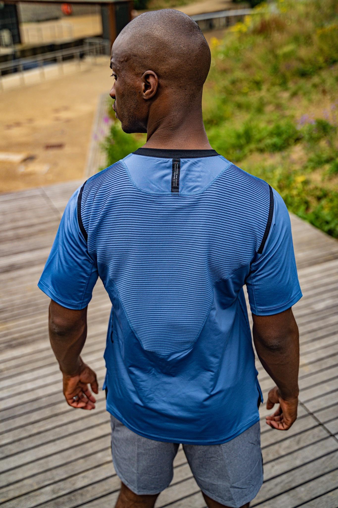 Nike AeroAdapt-back_grill